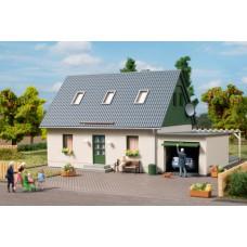 Auhagen 11454 HO Einfamilienhaus mit Garage