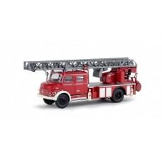 Brekina 47073 MB L 1519 DLK 30 rot/weiß mit Bedienstand