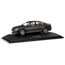 Herpa 70874 VW Passat Limousine, black oak brown metallic