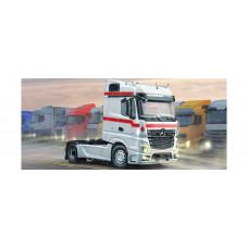 Italeri 3948 Mercedes-Benz MP4 Big Space 1:24