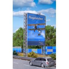 Kibri 39809 H0 Reklamewand mit 2 Flutlichtstrahlern, LED weiß