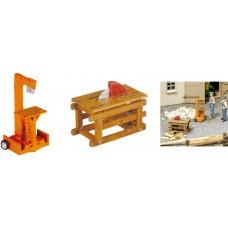 Noch 13726 Holzspalter und Kreissäge, H0