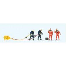 Preiser 10625 Feuerwehrmänner in moderner Bekleidung
