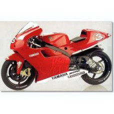 Italeri 4502 Yamaha YZR 500