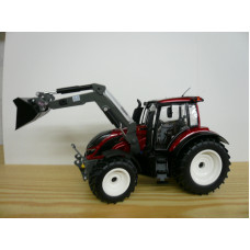 Wiking 077815 Valtra T 194 in rot mit Frontlader